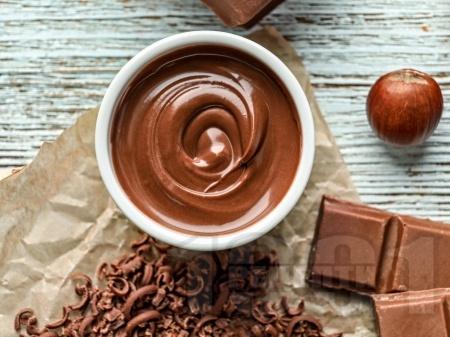 Универсален шоколадов сос за заливка на кексове, сладкиши, пайове, сладоледи и сладки рула - снимка на рецептата